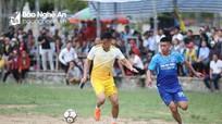 Lỡ hẹn vòng loại World Cup 2022, Nguyên Mạnh, Xuân Mạnh cùng đồng đội đi đá bóng từ thiện