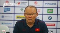 HLV Park Hang-seo lý giải Tiến Linh không đá penalty, báo tin vui về Quang Hải