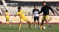 HLV Quang Trường trước khó khăn 'bài toán lực lượng trẻ'