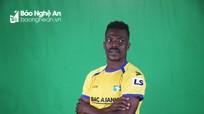 Được 'xả trại', ngoại binh SLNA là cựu tuyển thủ U23 Nigeria thể hiện tài ca hát
