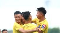 HLV phó Phạm Văn Quyến: 'U17 SLNA sẽ cố gắng từng trận đấu một'