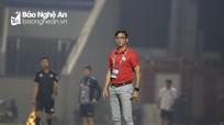 HLV Lê Huỳnh Đức khen Văn Đức, chê trọng tài sau trận thua SLNA