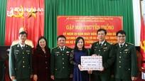 Hội LHPN tỉnh thăm, tặng quà Đồn biên phòng Hạnh Dịch