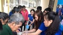 145 suất cháo đến với bệnh nhân nghèo Tân Kỳ