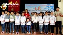 Trao học bổng cho 100 học sinh nghèo vượt khó ở Yên Thành
