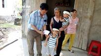 Gần 19 triệu đồng hỗ trợ 3 trẻ mồ côi ở Quỳ Hợp