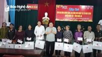 Bộ trưởng Bộ Kế hoạch và Đầu tư tặng 200 suất quà Tết tại Nghi Lộc