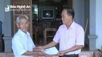 Tặng quà 242 nạn nhân chất độc da cam ở Nghĩa Đàn