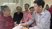 Ban Tuyên giáo Tỉnh ủy và BIDV Nghệ An tặng quà Tết tại Tương Dương