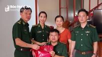Bộ đội Biên phòng Nghệ An thăm, tặng quà Đại úy Nguyễn Đình Tài