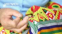 Thổ cẩm Kỳ Sơn (Nghệ An) xuất khẩu đến 10 nước