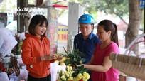 Thị trường 8/3 ở Nghệ An: Quà tặng lên ngôi, hoa tươi tăng giá nhẹ