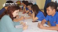 """Đoàn viên thanh niên thành phố Vinh giúp người dân kê khai thủ tục cấp """"sổ đỏ"""""""