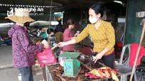Nghệ An: Giá gà tại chuồng 'chạm đáy', siêu thị và chợ vẫn bán mức cao