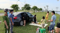 Thành phố Vinh: Bất chấp khuyến cáo phòng dịch, nhiều nhóm người vẫn tụ tập tại hồ điều hòa