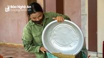Nghệ An: Giá lúa hè thu xuống thấp, thương lái thu mua cầm chừng