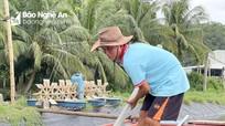 Nông dân Nghệ An đưa cá 'đi' tránh bão