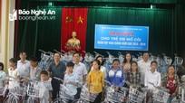Trao hơn 115 triệu đồng cho trẻ mồ côi nhân dịp khai giảng năm học mới