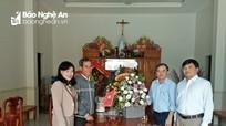 Lãnh đạo Ban Dân vận Tỉnh ủy chúc mừng Giáng sinh Giáo hạt Quy Hậu