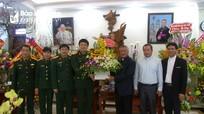 Bộ Chỉ huy quân sự tỉnh chúc mừng Giáo phận Vinh