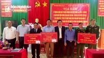 Hỗ trợ 120 triệu đồng cho Đồn biên phòng Na Loi và 2 xã biên giới