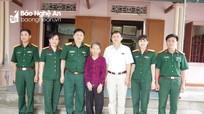 Tặng quà thân nhân, gia đình Anh hùng, Liệt sĩ chiến sĩ Điện Biên Phủ và bộ đội Trường Sơn