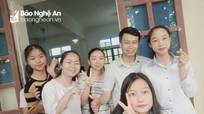 Hai nữ sinh xinh đẹp của Nghệ An có điểm thi lọt Top 10 của cả nước và của tỉnh