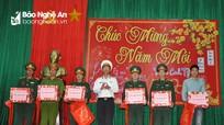 Bộ Tư lệnh Vùng 3 Hải quân thăm, chúc Tết quân, dân huyện đảo Cồn Cỏ