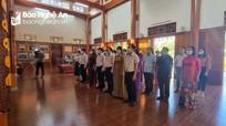 Lãnh đạo tỉnh dâng hương tưởng niệm đồng chí Nguyễn Thị Minh Khai