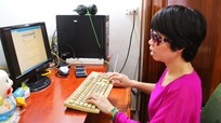 Từ người khiếm thị trở thành giáo viên Tin học