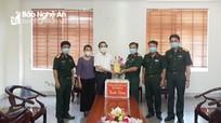 MTTQ tỉnh Nghệ An thăm, tặng quà các lực lượng làm nhiệm vụ tại các khu cách ly