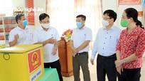 Lãnh đạo tỉnh kiểm tra công tác bầu cử tại huyện Diễn Châu, thị xã Cửa  Lò