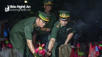 Thành kính Lễ dâng hương, thắp nến tri ân tại Nghĩa trang liệt sỹ  Việt - Lào