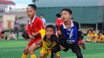'Vũ điệu sân cỏ' tại vòng bảng Cúp Báo Nghệ An 2019