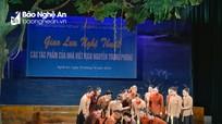 Khán giả xứ Nghệ rơi nước mắt khi xem trích đoạn 'Cô gái Sông Lam'