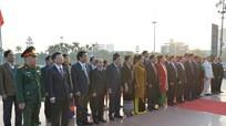 Đại biểu HĐND tỉnh dâng hoa tưởng niệm Chủ tịch Hồ Chí Minh