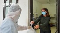 Du khách nước ngoài bị cách ly ở Nghệ An ấn tượng với cách Việt Nam ứng phó Covid-19