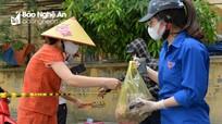 Đội 'shipper áo xanh tình nguyện' tiếp viện chống dịch vùng phong tỏa ở TP Vinh