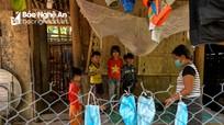 Cận cảnh cuộc sống trong tâm dịch Chăm Puông