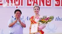 Cô gái Thái Hòa giành danh hiệu Người đẹp Làng Sen năm 2018
