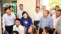 Bộ trưởng Bộ Y tế tới thăm, đánh giá cao hoạt động Trạm Y tế xã Kim Liên