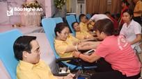 Đông đảo người dân tham gia Ngày hội hiến máu 'Giọt hồng Xứ Nghệ'