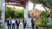 Tổng cục Du lịch dâng hoa tại Khu Di tích Kim Liên và khảo sát du lịch Nam Đàn