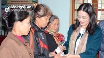 Lãnh đạo tỉnh cùng các đơn vị, doanh nghiệp tặng quà Tết tại các địa phương