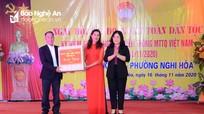 Đồng chí Nguyễn Thị Kim Chi dự Ngày hội Đại đoàn kết ở Thị xã Cửa Lò