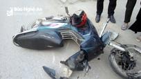 Xe container cán xe máy và xe đạp điện, ba học sinh thương vong