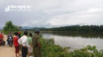 Người phụ nữ ở Nghệ An tử vong bất thường trên sông La