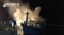 Nghệ An: Cháy tàu cá trong đêm thiệt hại hàng tỷ đồng