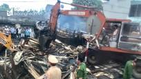 Hai xe tải va chạm trên Quốc lộ, lái xe và chủ xe biển Nghệ An chết cháy trong ca bin