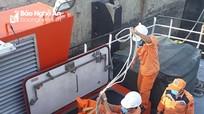 Tiếp nhận một phần thi thể nghi của ngư dân Nghệ An tại vị trí tàu chìm